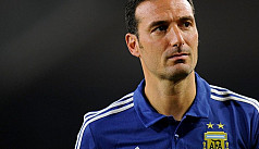 Argentina coach Scaloni released from hospital after bike accident