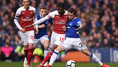 Jagielka the hero as Everton dent Arsenal's...