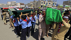 Yemen holds mass funeral for children...