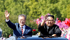 Moon pushes for summit with Kim despite...