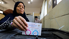 Egypt holds referendum that could keep...