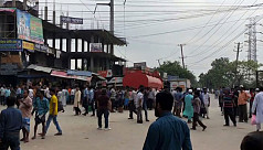 Jute mill workers occupy Demra road...