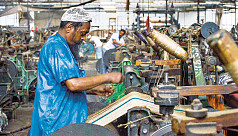 Leftist parties protest demanding modernization of jute mills, arrears
