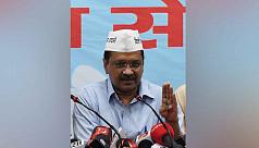 Delhi leader defies slaps and shoes...