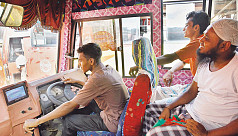 Study: 50% Bangladeshi transport workers have eyesight issues