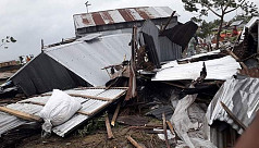 Cyclone Fani destroys hundreds of houses...