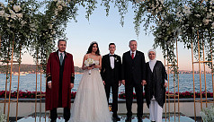 Ozil marries in Istanbul, with Erdogan...