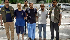 3 hitmen held with 6 weapons, bullets...