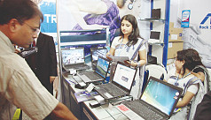 Laptop market thrives on buyers' love...