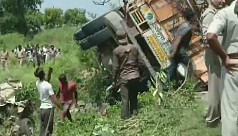 16 killed after truck crashes into 2...