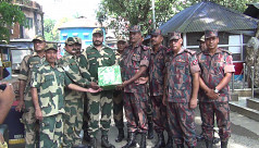 BGB-BSF exchange sweets on Eid