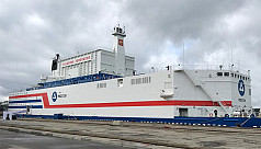 Russia launches floating nuclear reactor...