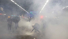 Hong Kong protesters defy police with...