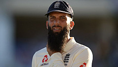 England all-rounder Moeen takes break...