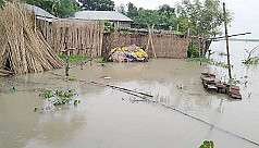 Thousands marooned by flood in...