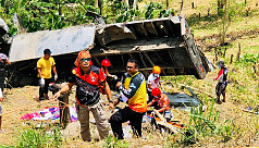 20 killed as truck plunges down ravine...