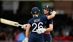 England cricketers Brunt and Sciver...