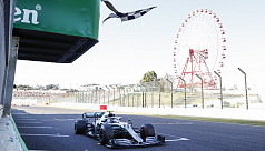 Bottas wins in Japan, Mercedes celebrate...