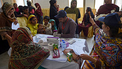 Nearly 900 children test positive for HIV in Pakistani city