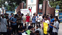 RU students block Dhaka-Rajshahi highway in protest over attack on student