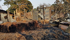 Homes burnt down by miscreants over claimed water body