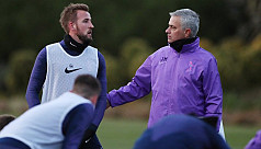Tottenham issue warning after Mourinho and players seen training