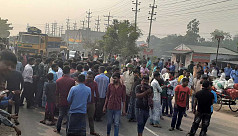 Transport workers block Dhaka-Mymensingh highway for 2hrs