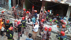 7 die as wall collapse in gas explosion...