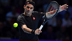 Federer outclasses Djokovic to reach ATP semis