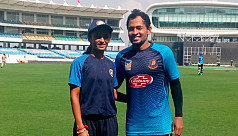 Indian female cricketer meets favourite...