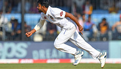 Jayed removes Pujara, Kohli early