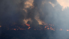 Australian bushfires death toll rises to 4