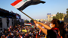 Hundreds mourn reporters shot dead after covering Iraq protests