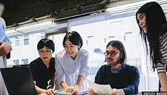 Japan 'glasses ban' for women at work...