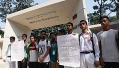 Protest at DRMC: Students give 72-hour ultimatum to Prothom Alo authorities