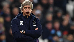 West Ham sack Pellegrini after Leicester...