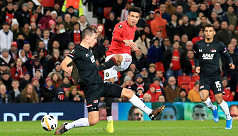 United thrash Alkmaar, Lazio out of Europa