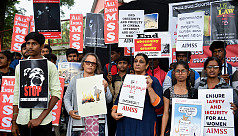 India gang rape protests mount as schoolgirl killed
