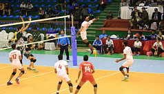 Spikers lose in the semis