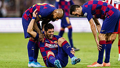 Barca striker Suarez out for four months after knee surgery