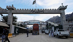 Pakistan closes Khyber Pass border with Afghanistan after mortar blasts
