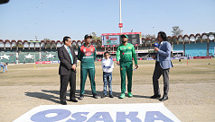 Bangladesh 100 for three after fifteen overs