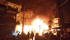 22 shops burnt down in Bhola