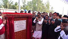 Quader inaugurates Metro Rail tracks installation