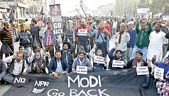 Indian police battle anti-Modi protesters...