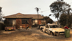 Australia urges people to flee as fires...