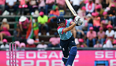 England survive late collapse, square series