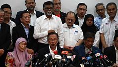 Malaysia in turmoil as Mahathir, Anwar...