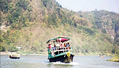 Boats on Kaptai Lake threaten tourists'...
