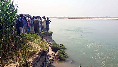 Teesta breaches embankment: Locals fear losing home, land in Nilphamari